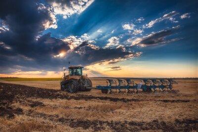 Image Agriculteur, tracteur, préparer, terre, cultivateur