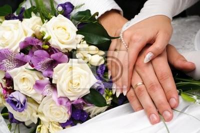 aimer toucher. main dans la main