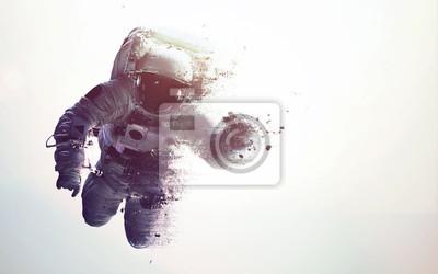 Image Astronaute dans l'espace moderne art minimaliste moderne. Dualtone, anaglyphe. Éléments de cette image fournis par la NASA