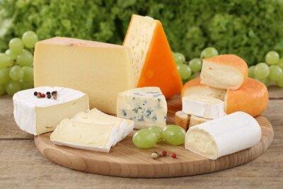 Image Auswahl un Käse wie Camembert, Bergkäse und Käse Schweizer