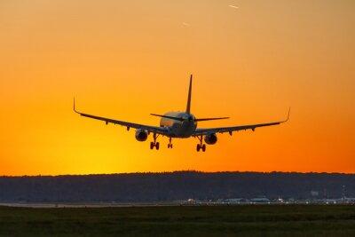 Image Avion atterrit aéroport soleil coucher de soleil vacances vacances voyage voyage