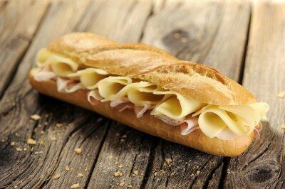 Image baguette de pain avec du jambon et fromage