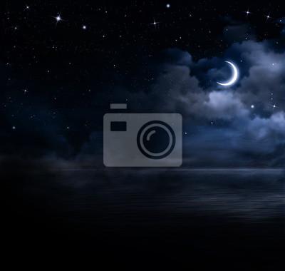 beau ciel de nuit en pleine mer