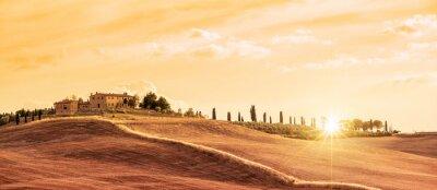 Image Beau paysage panoramique typique de la Toscane au coucher du soleil, Italie