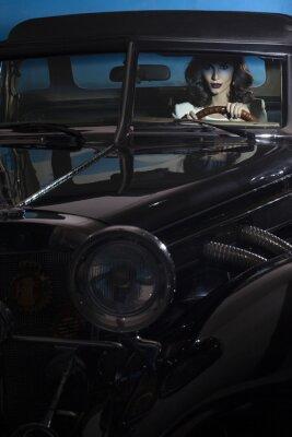 Image Belle femme dans la voiture richesse