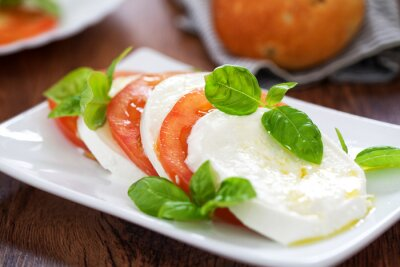 Image Caprese Salad