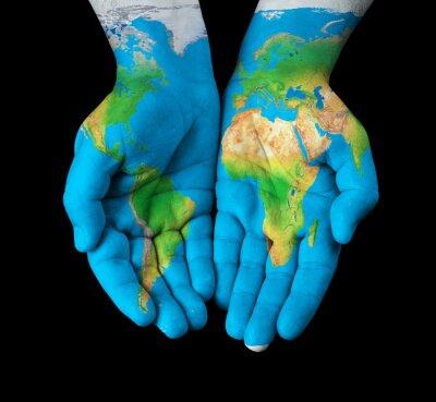 Image Carte peinte sur les mains montrant concept - le monde dans nos mains