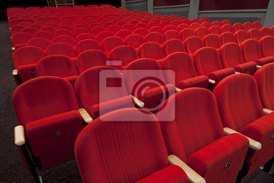 cinéma rouge ou sièges vides théâtre
