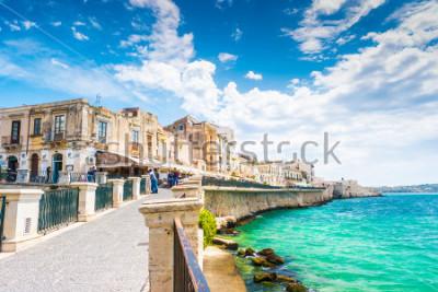 Image Côte de l'île d'Ortigia à la ville de Syracuse, Sicile, Italie. Belle photo de voyage de la Sicile.