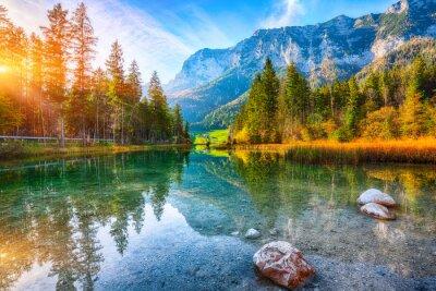 Image Coucher de soleil d'automne fantastique du lac Hintersee