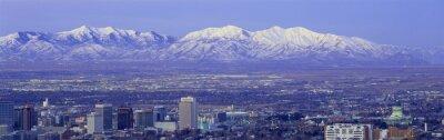 Image Coucher de soleil panoramique de Salt Lake City avec des sommets enneigés des montagnes Wasatch