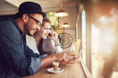 Image Couple, utilisation, numérique, tablette, café, magasin
