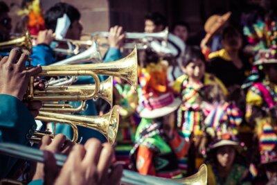 Image Danseurs péruviens à la parade à Cusco.