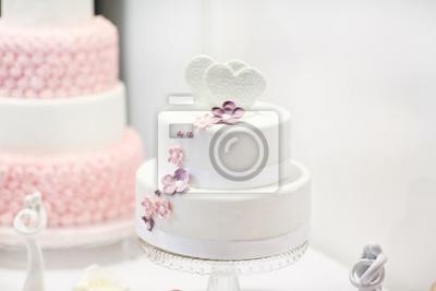 Image Delicieux Gateau De Mariage En Blanc Creme Et Rose