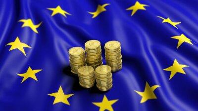 Image Des piles de pièces en euros sur or ondulé drapeau de l'Union européenne