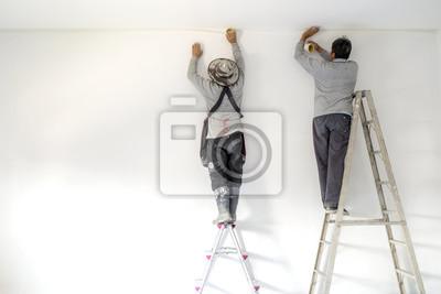 Image Deux Ouvrier Utilisation Brosse Couleur Peinture Béton