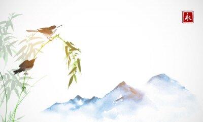 Image Deux petits oiseaux, branche de bambou et montagnes lointaines. Peinture à l'encre orientale traditionnelle sumi-e, u-sin, go-hua. Hiéroglyphe - l'éternité.