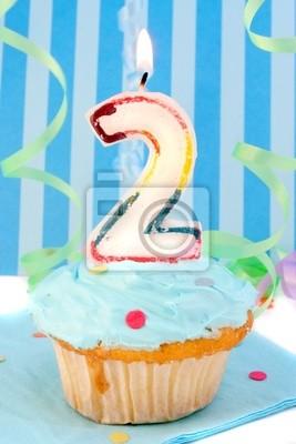 Deuxième Anniversaire Bébé Garçon Gâteau Avec Un Glaçage Bleu