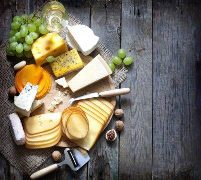 Image Différents types de fromage avec un espace vide concept de fond