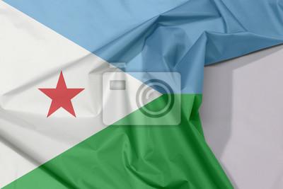 Image Drapeau En Tissu Djiboutien En Crêpe Et Pli Avec Des Espaces