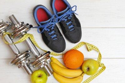 Image équipement de conditionnement physique et une alimentation saine sur blanc bois planche fl
