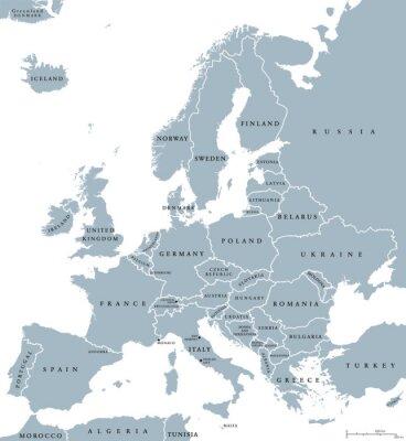Image Europe carte politique des pays avec les frontières nationales et les noms de pays. Étiquetage et mise à l'échelle en anglais. Illustration sur fond blanc.
