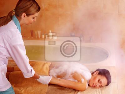 Femme au hammam ou bain turc