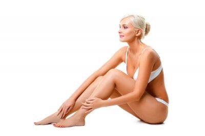 Femme portant des sous-vêtements blanc portrait