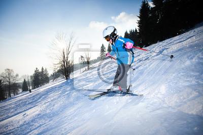 fille de ski alpin et de sauts