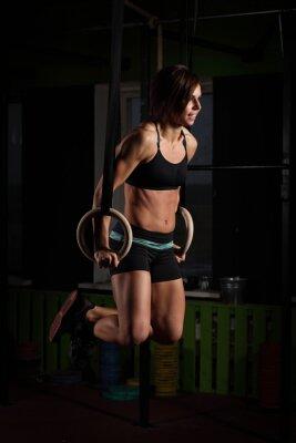 Image Fit, jeune, femme, gymnaste, Anneaux