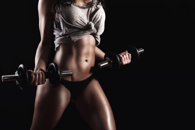 Image Fitness femme dans la formation dur