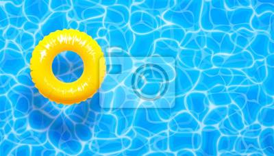 Image Fond d'été piscine eau avec anneau de flotteur piscine jaune. Fond texturé aqua bleu d'été
