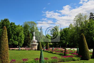 Fontaine dans jardin fleuri. peintures murales • tableaux jardin de ...