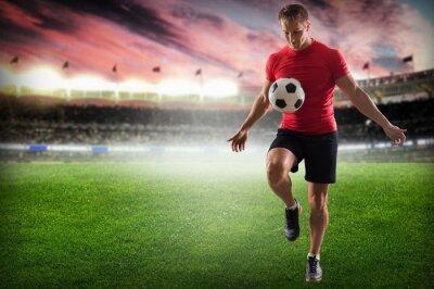 Image Football. Joueur professionnel de football coups de pied balle