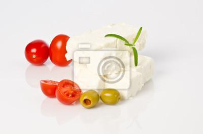 fromage de brebis aux olives et tomates