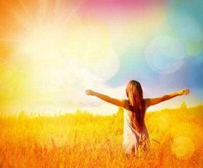Image Gratuit Happy Woman profiter de la nature. Fille de beauté extérieure.