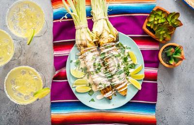Griller maïs de rue mexicain