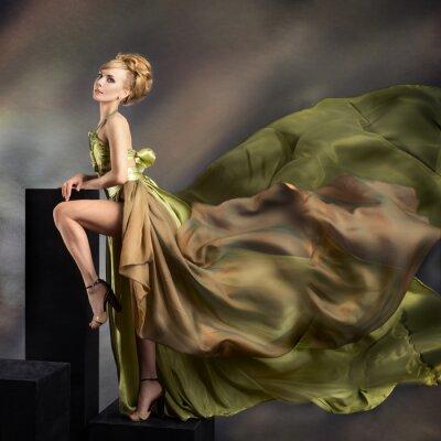 Image Gros plan mode portrait de la belle jeune femme