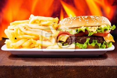 hamburger avec des frites
