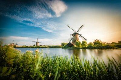 Image Historiens moulins à vent hollandais près de Rotterdam
