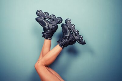 Image Jambes d'une femme portant rollers
