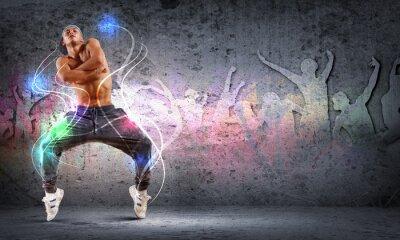 Image Jeune homme danse hip-hop avec des lignes de couleur
