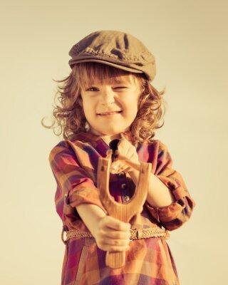 Image Kid drôle tir fronde en bois