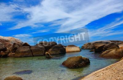 Image La mer belle plage et l'eau claire l'air frais La mer froide de natation.