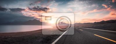 Image Lac et route au coucher du soleil