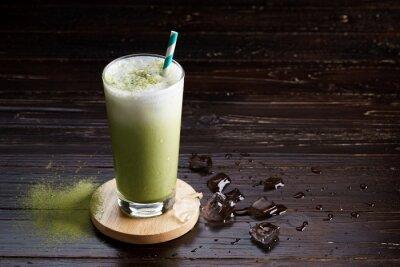 Image Latte de thé vert glacé.