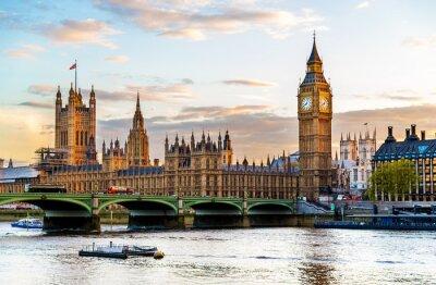Image Le Palais de Westminster à Londres dans la soirée - Angleterre