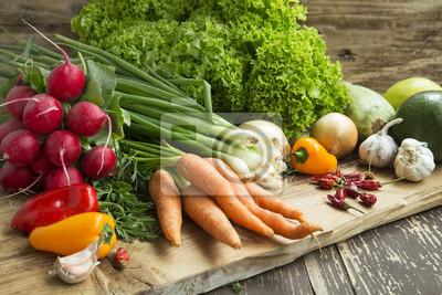 Légumes bio fraîchement cueillies, des légumes sains Assortiment
