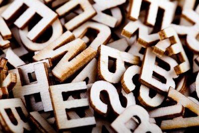 Image Lettres en bois Casse-tête de près