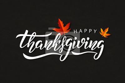Image Logo vectoriel de typographie isolé réaliste pour Happy Thanksgiving Day avec les feuilles de l'automne pour la décoration et couvrant sur le fond de craie.